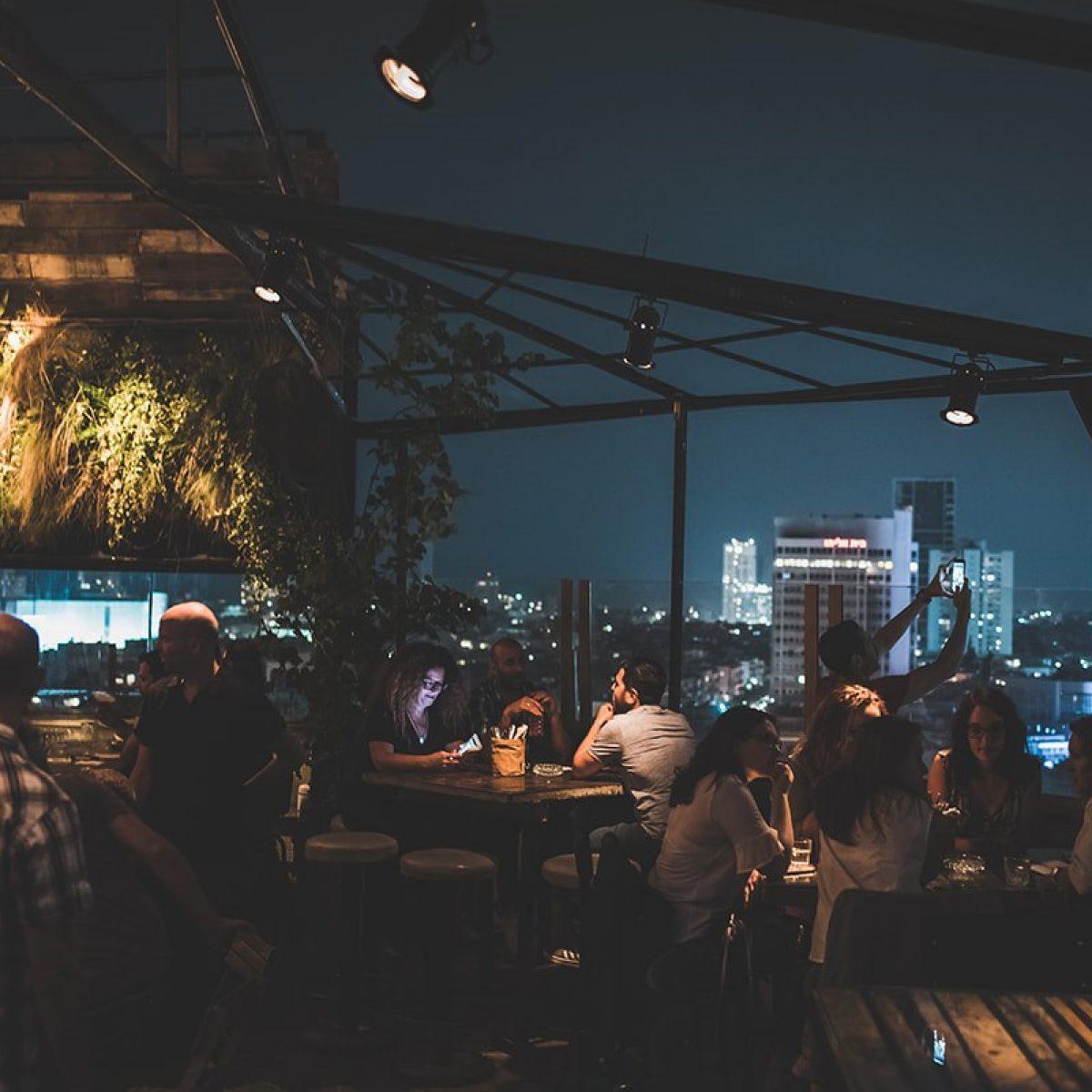 ערב על הגג בלילה בסורה מרה - a night at the balcony of Suramara